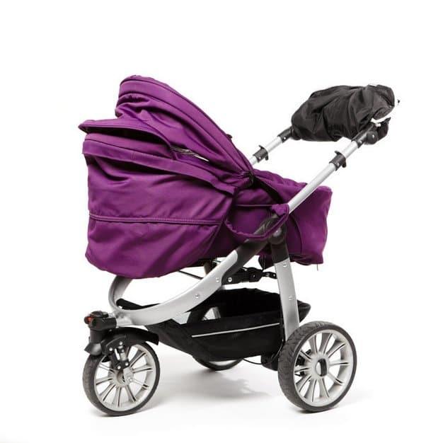 Poussette violette pour bébé